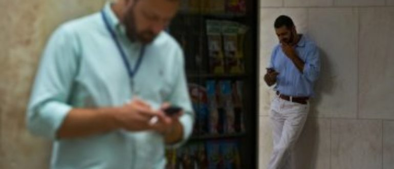 """Worker """"Idle Time"""" Costs U.S. Employers $100 Billion a Year, Study Says"""